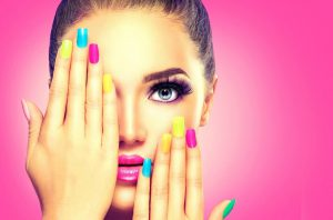 Featured image on how to stop nail varnis chipping blog